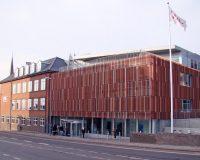 Akustikpuds – Akustikloft: VUC Sønderborg – atrium